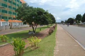 Avenida Tancredo Neves