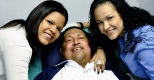 Chávez e as filhas já gravemente enfermo