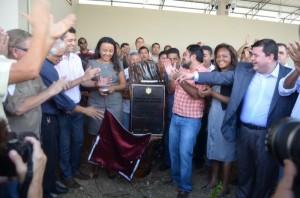 Governador Camilo, a vice-governadora Dora Nascimento, a secretaria de agricultura, Cristina Almeida, e o secretário de infra estrutura, Joel Banha no ato de inauguração do Mercadão do Peixe