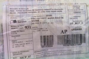 A nota mostra que o material é uma oferta do MEC, através do Programa Nacional do Livro