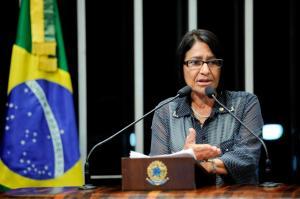 Janete discursa em homenagem à mulher na Sessão conjunta do Congresso Nacional