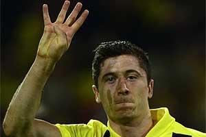 Lewandowish fez quatro e complicou a vida do Real Madrid