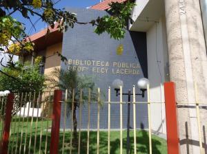 Moderno prédio da Biblioteca constuida no governo de Ivcanhoé Martins, em 1971